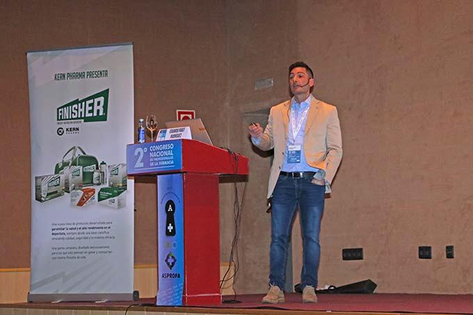 Dr. Eduardo Ribot en el Congreso de Salamanca
