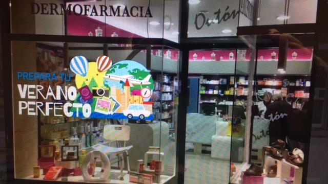escaparate-farmacia-outon-verano-farmaflow